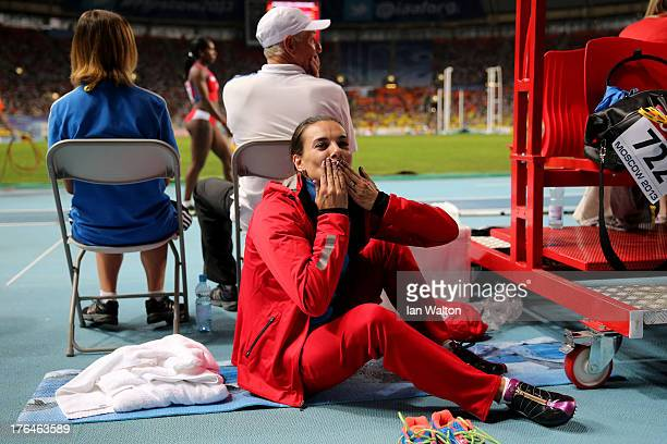 Elena Isinbaeva of Russia blows a kiss to the crowd during the Women's pole vault final during Day Four of the 14th IAAF World Athletics...