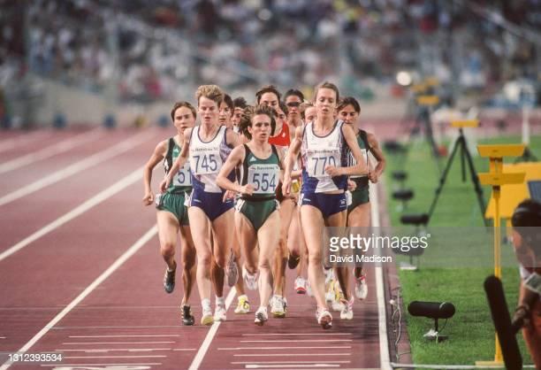 Elena Kopytova of the Unified Team, Yvonne Murray of Great Britain, eventual race winner Elena Romanova of the Unified team, and Alison Wyeth of...