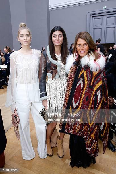 Elena Perminova Giovana Battaglia and Anna Dello Russo attend the Chloe show as part of the Paris Fashion Week Womenswear Fall/Winter 2016/2017 Held...