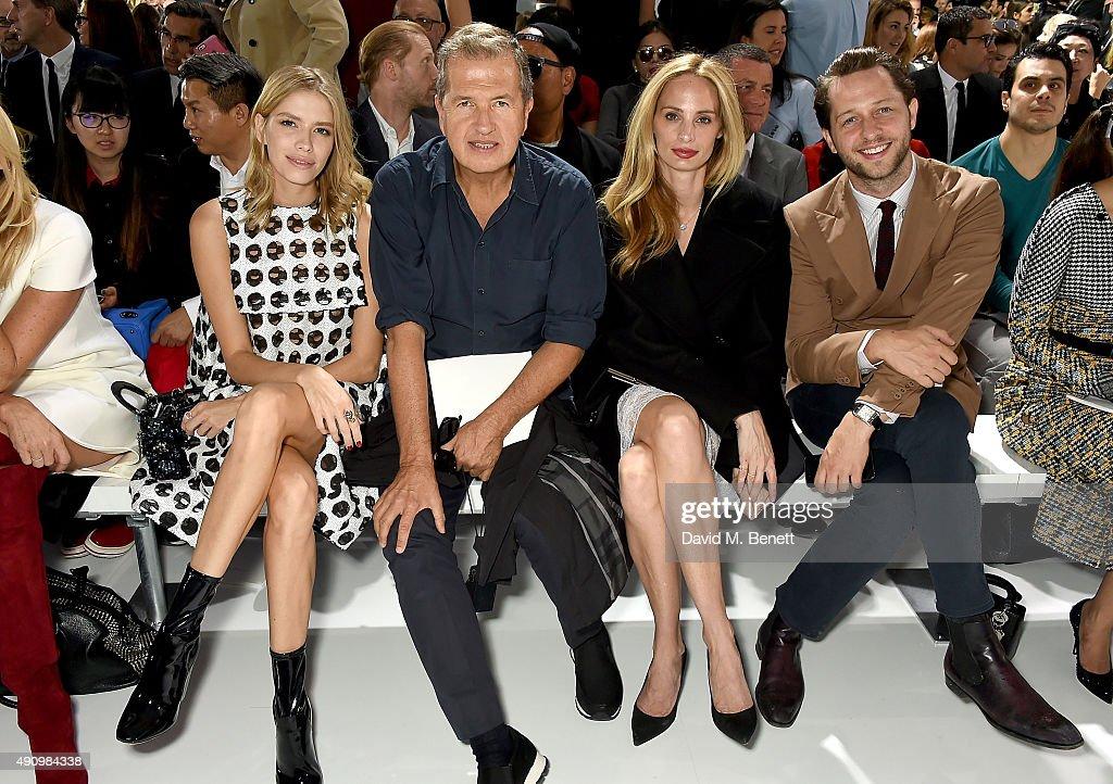 Christian Dior : Front Row - Paris Fashion Week Womenswear Spring/Summer 2016 : News Photo