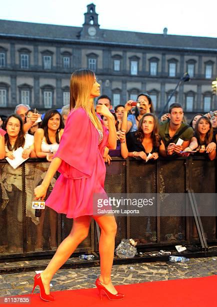 Elena Santarelli attends the MTV Italy 2008 TRL awards in Plebiscito Square on May 17 2008 in Naples Italy