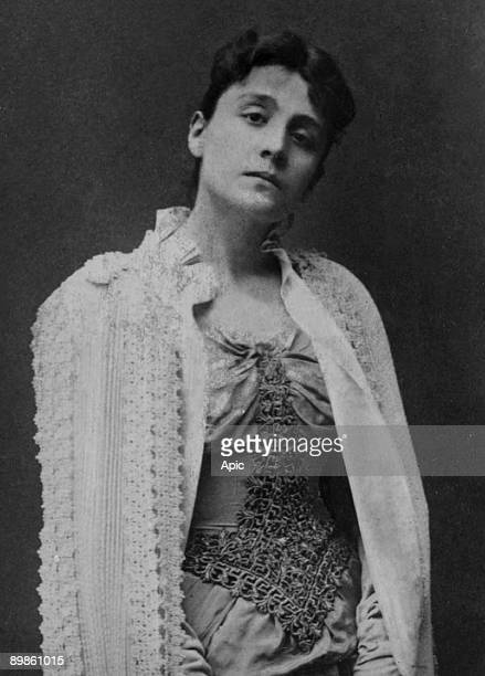 Eleonora Duse actress and singer photographied between 1880 and 1900 extracted from the collection Felix Potin 500 contemporary celebrities Opera...