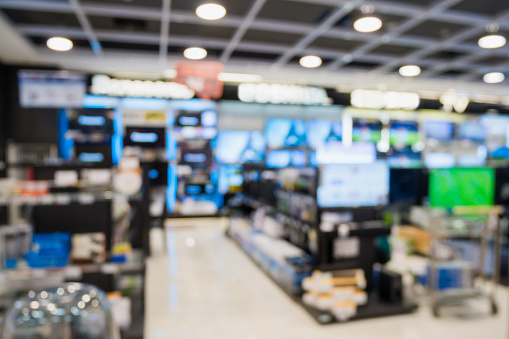 eletronic department store with bokeh blurred background 918381560