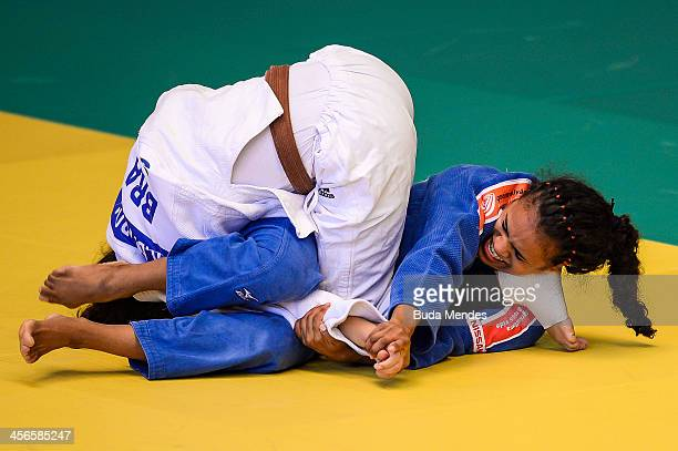 Eleudis Valentim fights with Rafaela Barbosa during the women's match of the Judo National Selective for Rio 2016 at Flamengo Club on December 14...