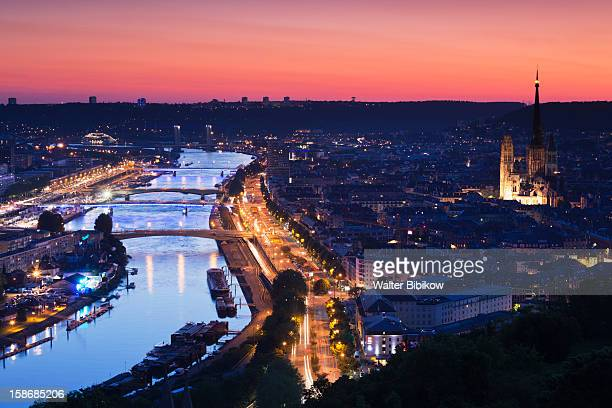 elevated city view with cathedral and seine river - rouen stock pictures, royalty-free photos & images