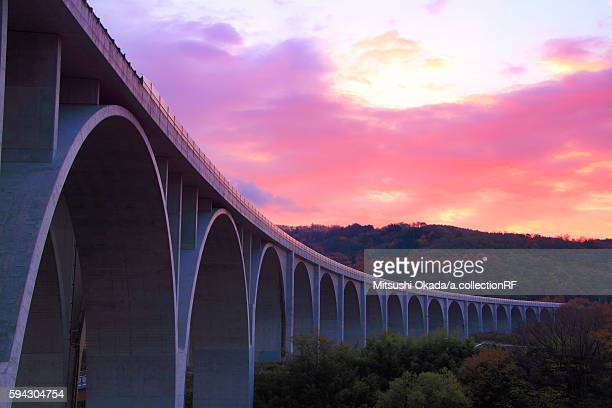elevated expressway at sunrise, ueda, nagano prefecture, japan - 長野県 ストックフォトと画像