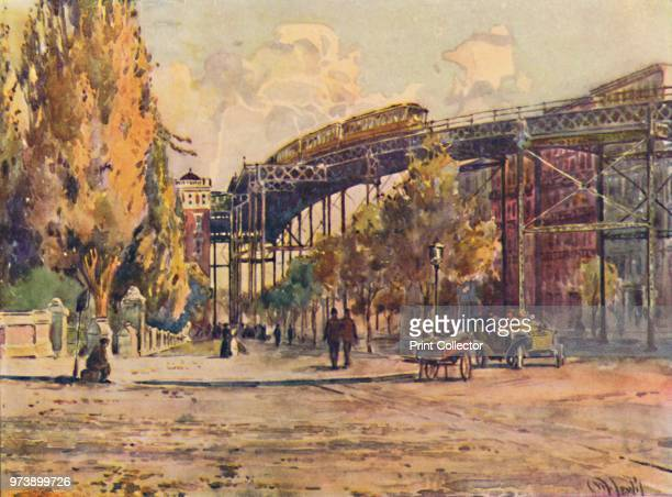 'Elevated Railway, New York', 1916. From America in Pictures, by H. Clive Barnard, M.A., B.Litt. [A. & C. Black, Limited, London, 1916] Artist Martin...