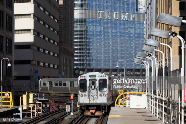 elevated subway in wabash avenue - rainer grosskopf stock pictures, royalty-free photos & images