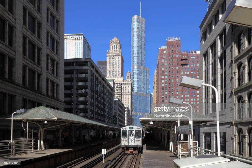 Elevated Subway in Wabash Avenue : Stock-Foto