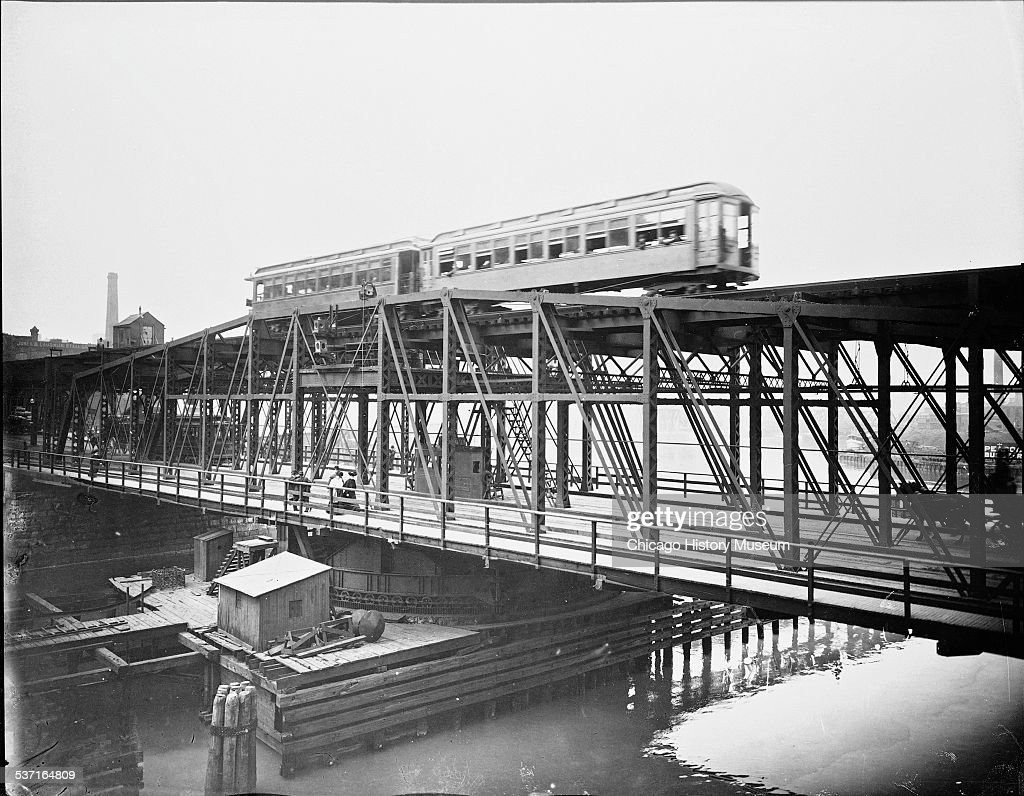 Elevated train crossing Wells Street Bridge, Chicago, Illinois, circa 1905.