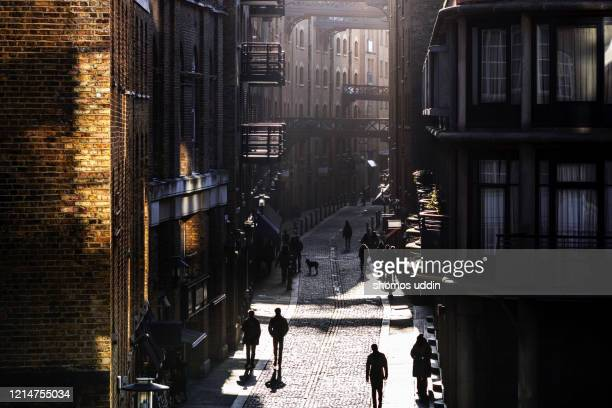 elevated view of an traditional london street - london docklands stock pictures, royalty-free photos & images