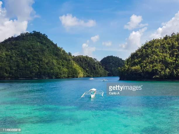 elevated view of bay - paisajes de filipinas fotografías e imágenes de stock
