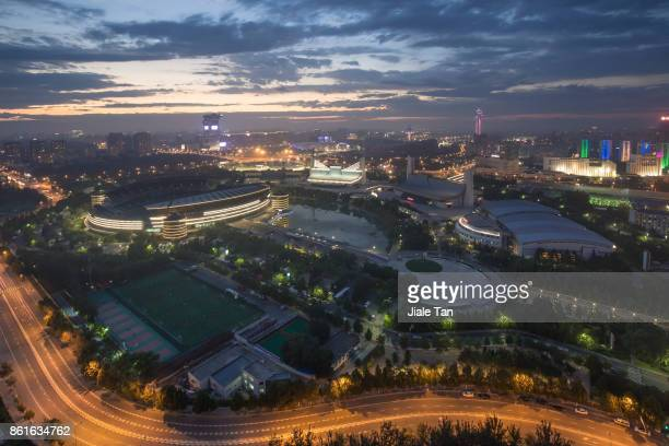 elevated view of beijing olympic park at night - 国立オリンピック競技場 ストックフォトと画像