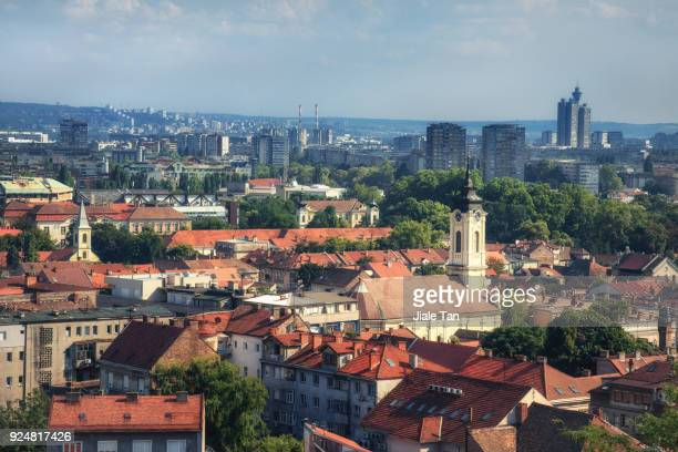 elevated view of belgrade - servië stockfoto's en -beelden