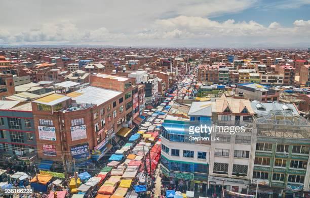elevated view of city streets, el alto, la paz, bolivia, south america - el alto fotografías e imágenes de stock