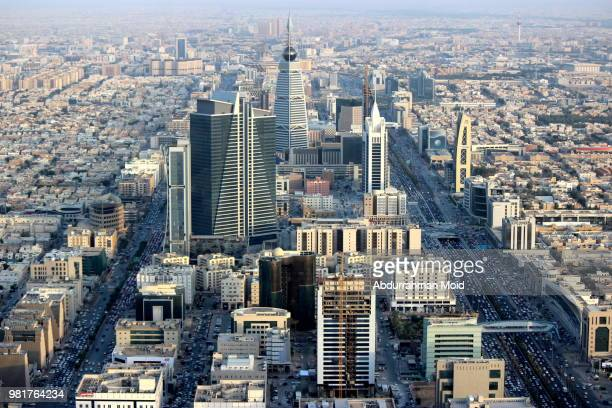 elevated view of modern city center, riyadh, saudi arabia - persian gulf stock-fotos und bilder