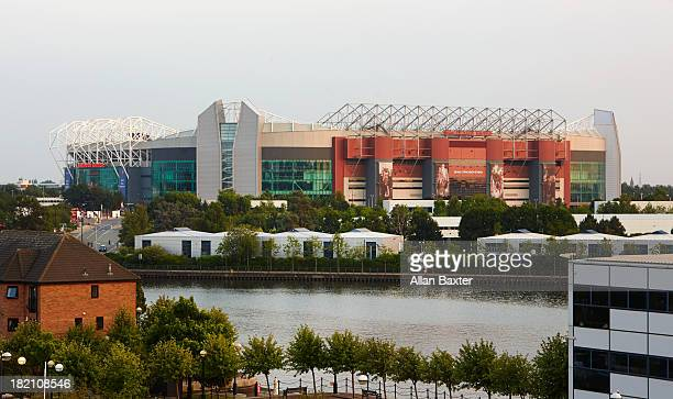 elevated view of old trafford - stadium stock pictures, royalty-free photos & images