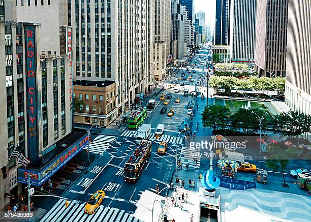 elevated view of radio city music hall, nyc - rockefeller centre stock pictures, royalty-free photos & images