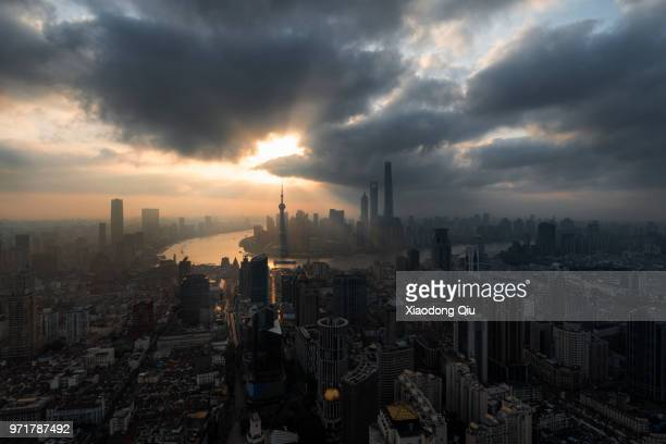 elevated view of shanghai lujiazui at dawn - prosperity stock pictures, royalty-free photos & images