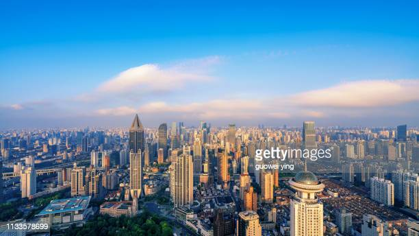 elevated view of shanghai skyline - 塔 stock pictures, royalty-free photos & images