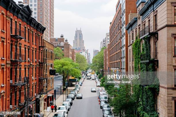elevated view of street in chelsea district, new york city, usa - chelsea new york stock pictures, royalty-free photos & images