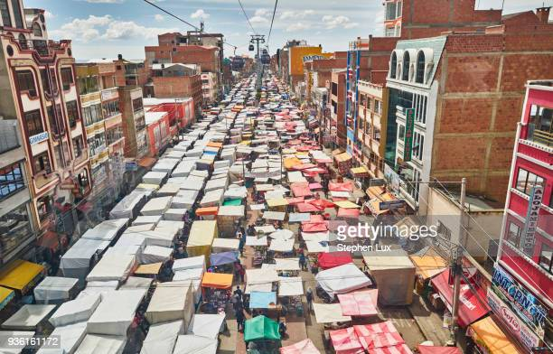elevated view of street market, el alto, la paz, bolivia, south america - bolivia fotografías e imágenes de stock