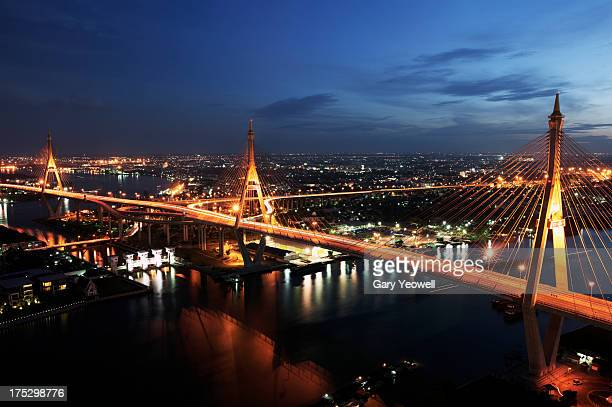 elevated view of the bhumipol bridge over city - yeowell stock pictures, royalty-free photos & images
