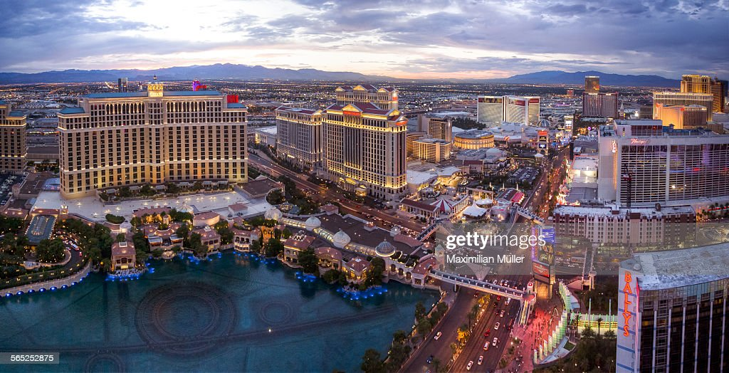 Elevated view of the Las Vegas strip after sunset : Stock Photo