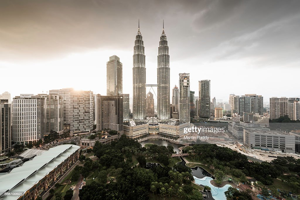 Elevated view of the Petronas towers at dusk : Stock Photo