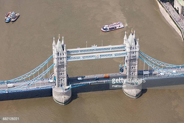 elevated view of tower bridge, london, england, uk - mattscutt stock pictures, royalty-free photos & images