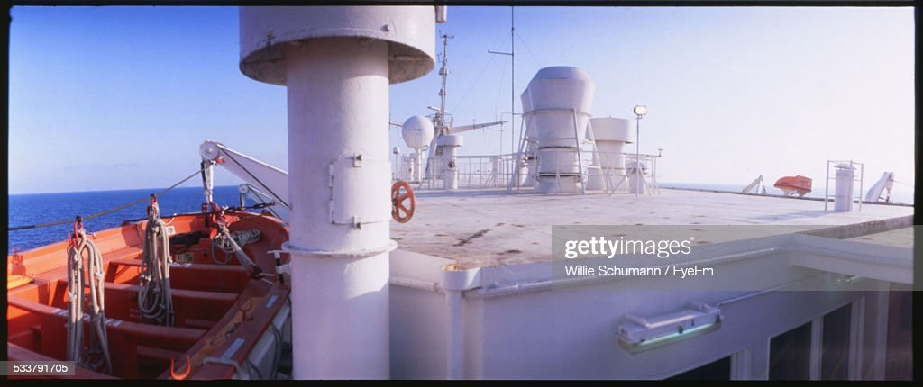 Elevated View Of Vessel Superstructure With Lifeboat In View : Foto stock