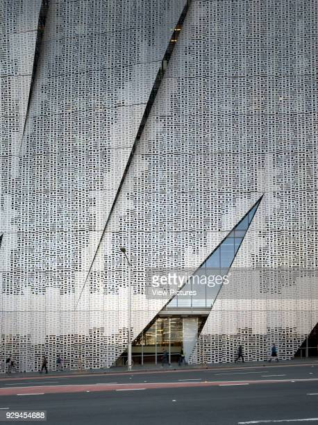 Elevation featuring pedestrians and perforated screens Faculty of Engineering Information Technology University of Technology Sydney Sydney Australia...