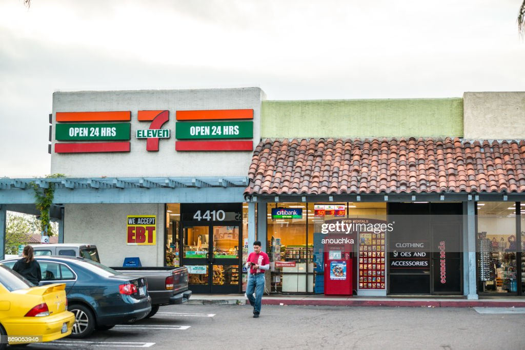 7 eleven in front of Las Americas shopping mall, San Diego, USA : Stock Photo