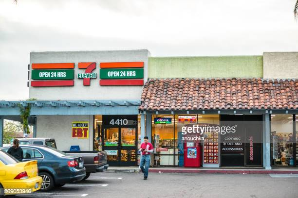 7 eleven in front of las americas shopping mall, san diego, usa - convenience store stock photos and pictures