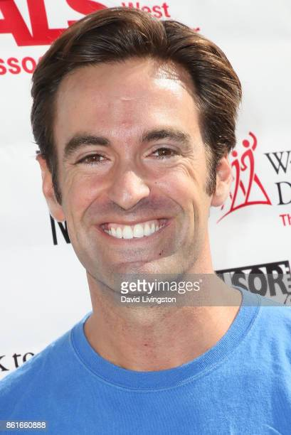Elex Michaelson attends Nanci Ryder's Team Nanci at the 15th Annual LA County Walk to Defeat ALS at the Exposition Park on October 15 2017 in Los...