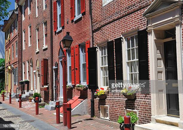elfreth's alley in philadelphia - philadelphia pennsylvania stock pictures, royalty-free photos & images