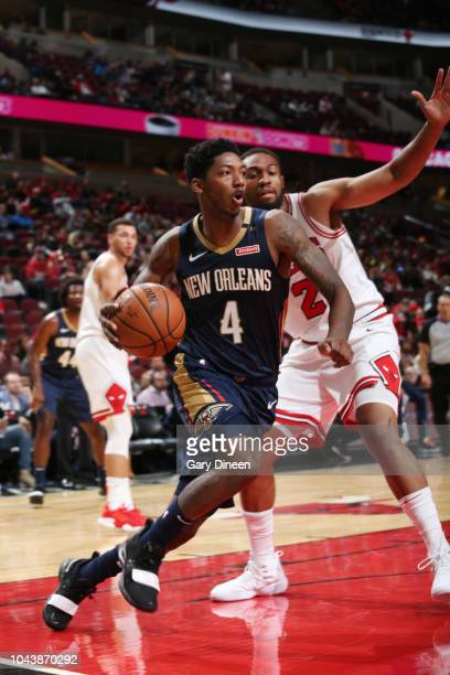 Elfrid Payton of the New Orleans Pelicans handles the ball against the Chicago Bulls during a preseason game on September 30 2018 at the United...