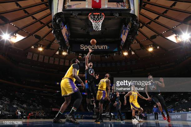 Elfrid Payton of the New York Knicks shoots the ball during the game against the Los Angeles Lakers on April 12, 2021 at Madison Square Garden in New...