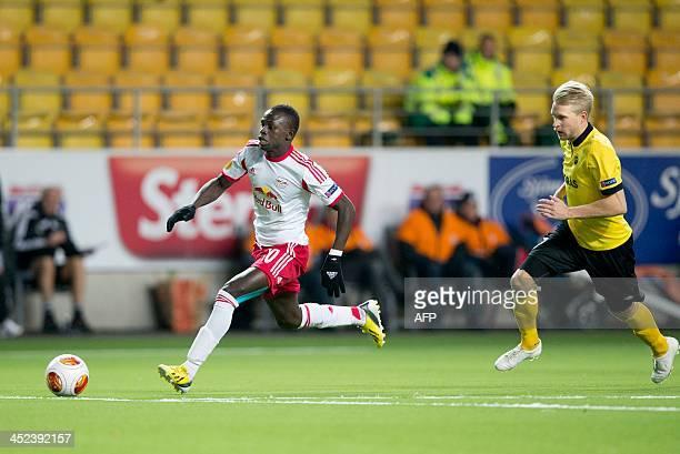 Elfsborg's Swedish defender Johan Larsson and Salzburg's Senegalese midfielder Sadio Mane vie for the ball during the UEFA Europa League Group C...