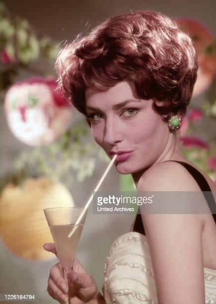Elga Andersen deutsche Schauspielerin und Sängerin Deutschland 1963 German actress and singer Elga Andersen Germany 1963