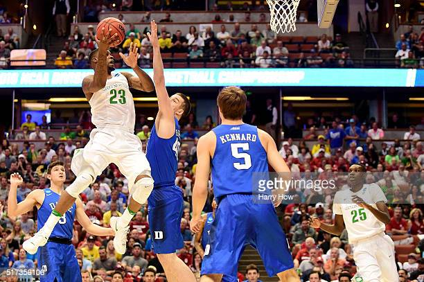 Elgin Cook of the Oregon Ducks goes up for a shot against Marshall Plumlee of the Duke Blue Devils in the first half in the 2016 NCAA Men's...