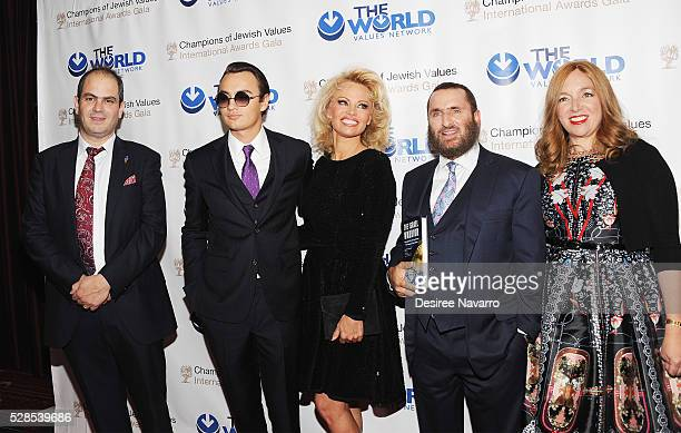 Eli Beer, Brandon Thomas Lee, Pamela Anderson, Rabbi Shmuley Boteach and Debbie Boteach attend the 4th Annual Champions Of Jewish Values...