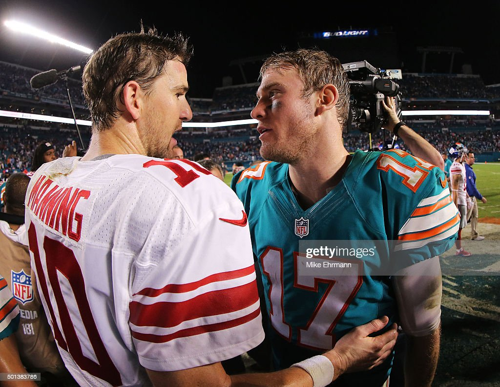 Eli Manning #10 of the New York Giants shakes hands with Ryan Tannehill #17 of the Miami Dolphins after the game at Sun Life Stadium on December 14, 2015 in Miami Gardens, Florida.