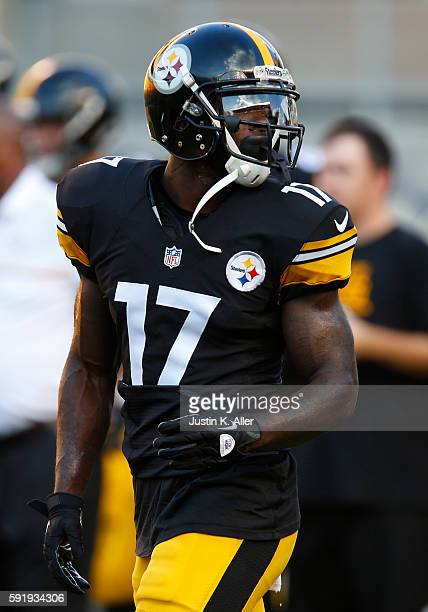 Eli Rogers of the Pittsburgh Steelers in action during the game against the Philadelphia Eagles on August 18 2016 at Heinz Field in Pittsburgh...
