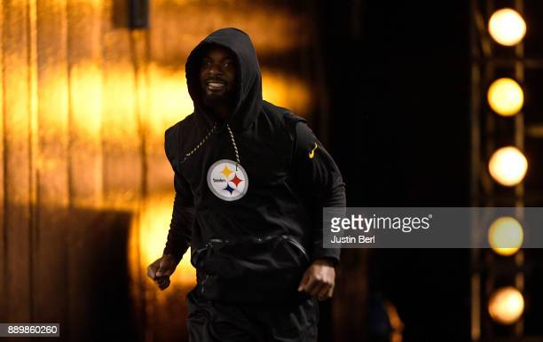 Eli Rogers of the Pittsburgh Steelers takes the field for warmups before the game against the Baltimore Ravens at Heinz Field on December 10 2017 in...