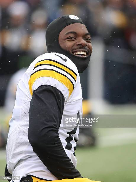 Eli Rogers of the Pittsburgh Steelers warms up before the start of NFL game action against the Buffalo Bills at New Era Field on December 11 2016 in...