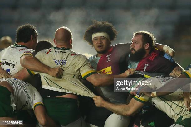 Elia Elia and Joe Marler of Harlequins as a scrum breaks up during the Gallagher Premiership Rugby match between Harlequins and London Irish at...