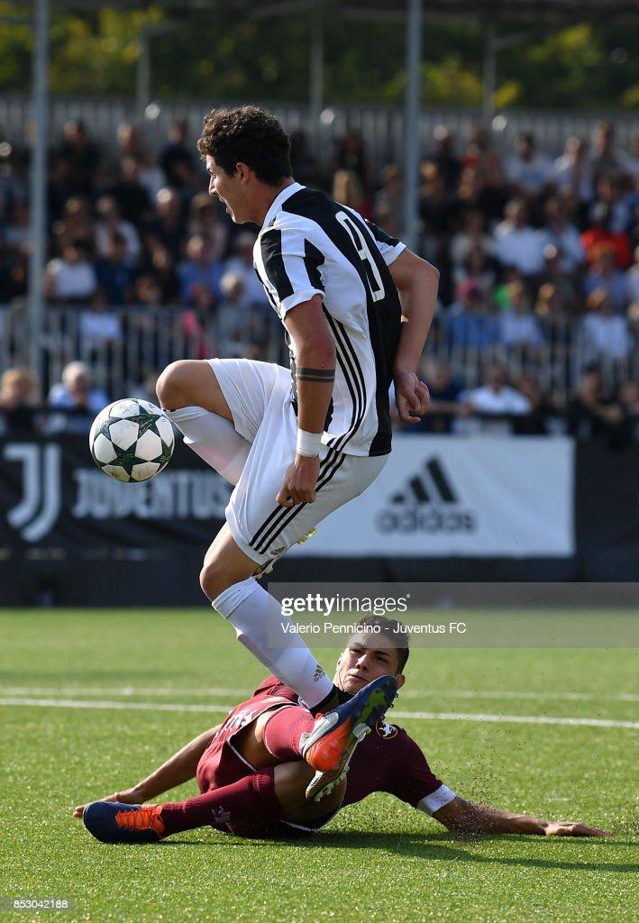 Juventus U17 v Torino FC U17 : Foto di attualità