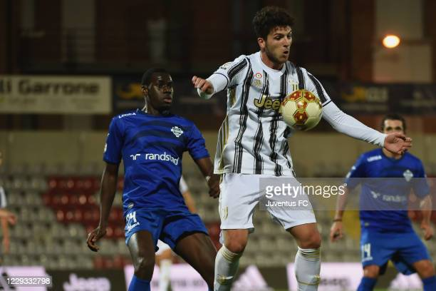Elia Petrelli of Juventus U23 in action during the Serie C match between Juventus U23 and Como at Stadio Giuseppe Moccagatta on October 28, 2020 in...