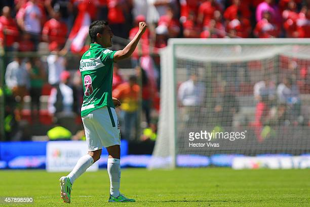 Elias Hernandez of Leon celebrates after scoring the second goal against Toluca during a match between Toluca and Leon as part of 14th round Apertura...